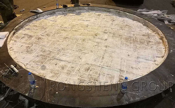 Construction of ceramic fiber blanket in industrial furnace
